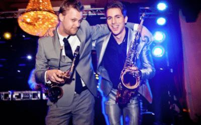 Saxofonist bij DJ