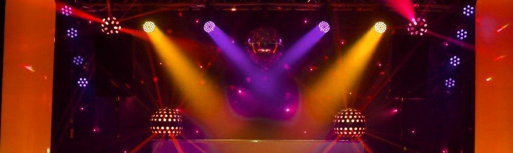DJ drive in show
