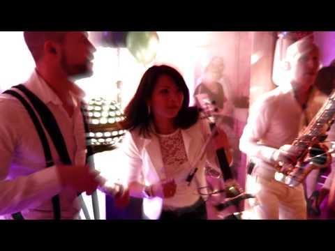 Swinging DJ Show boeken | Exclusief bij Swinging.nl #DJMetMuzikant