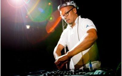 DJ EDgar achter booth